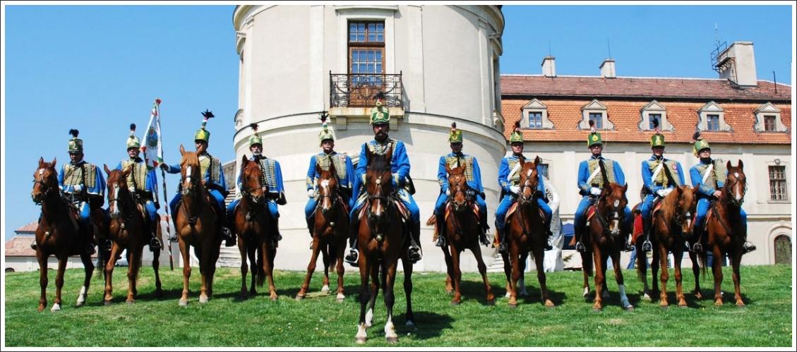 Fehérvári Huszárok Egyesülete