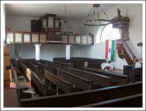 A sukorói református templom belseje