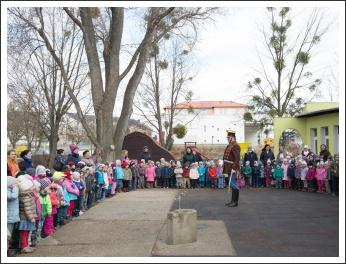 Budakeszi iskoláiban és óvodáiban március idusán (fotó: Turi András)