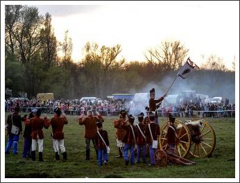 Újra dörögtek a fegyverek Tápióbicskén (fotó: Rácz Tünde)