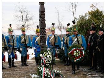 Ünnepi főhajtás a móri csata hősei előtt (fotó: Koppán Viktor)