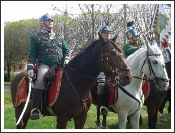 Bevonultak Dunakeszire a Mogyoródi Sándor-huszárok (fotó: KesziPress)
